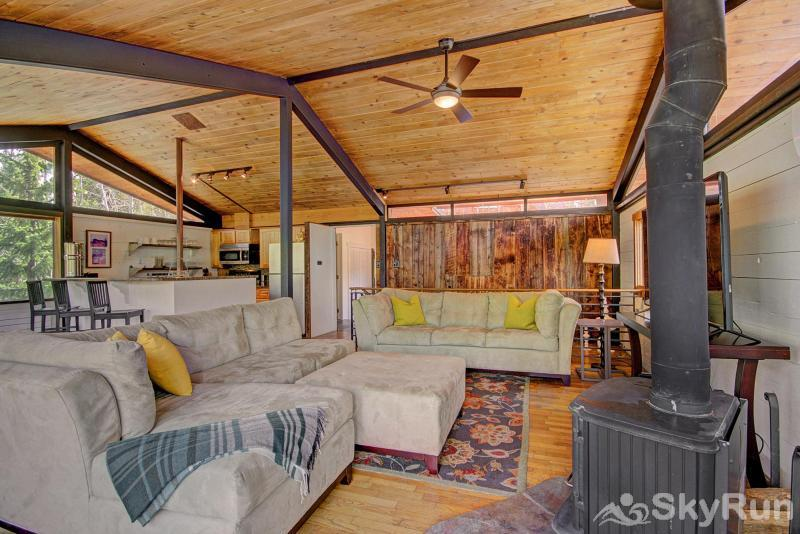 Elk Horn Cabin Living room features plenty of comfortable seating