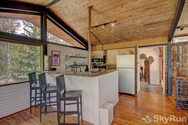 Elk Horn Cabin Seating for 3 at the kitchen breakfast bar