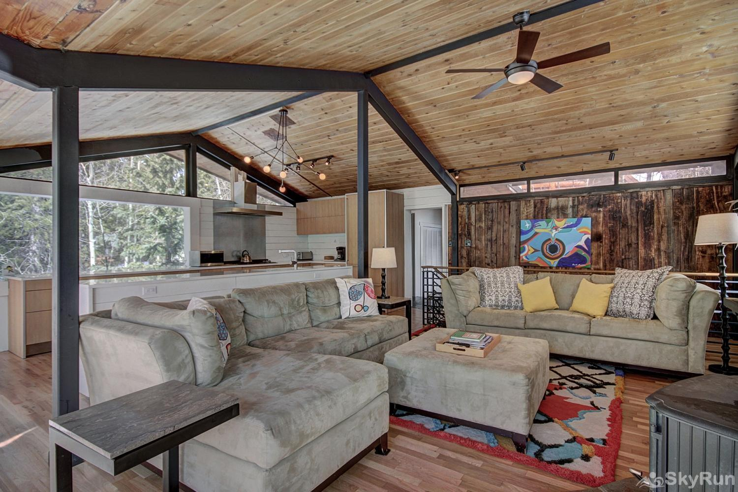 Elk Horn Cabin Plenty of seating for the whole family in the living room!