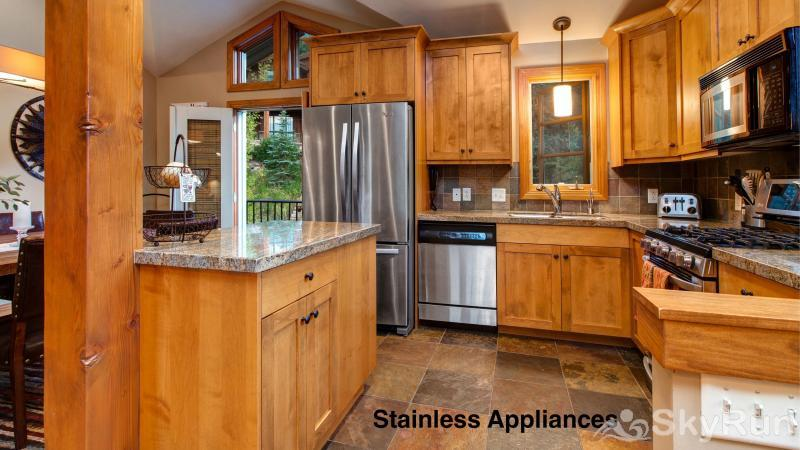 1018 Lowell Lookout Stainless Appliances