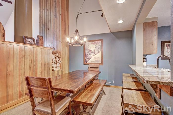 2054 The Pines Dining Area