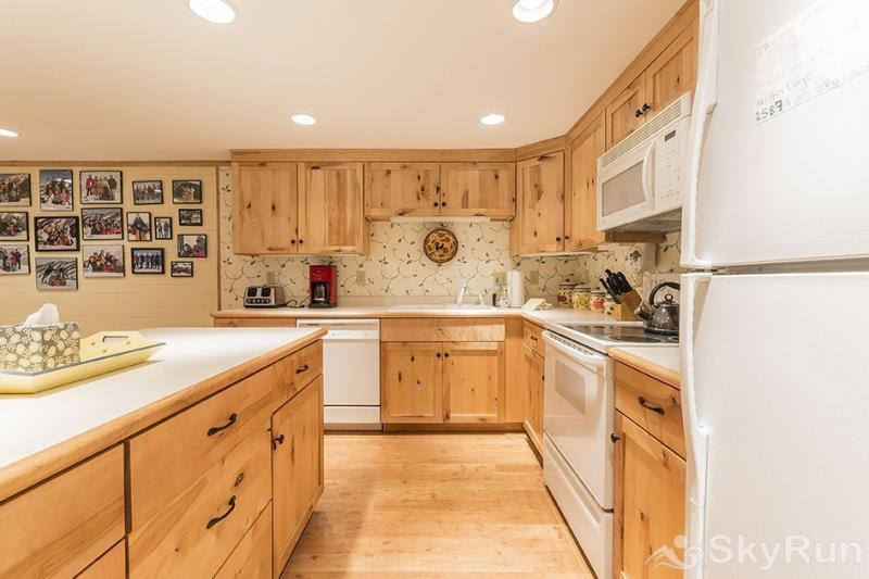 Herbage Townhomes A6 The kitchen is beautiful.