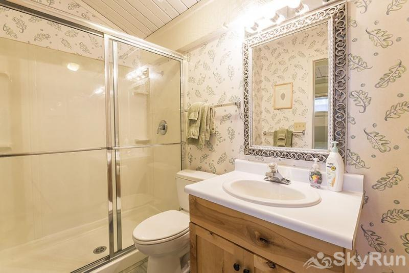 Herbage Townhomes A6 Take a hot shower in this ensuite bathroom after a long day of fun!