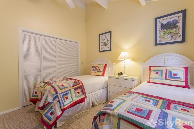 Herbage Townhomes A6 Your guests can sleep in this lovely guestroom.