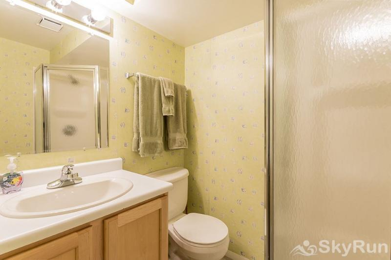 Herbage Townhomes A6 This bathroom is perfect for the kids.