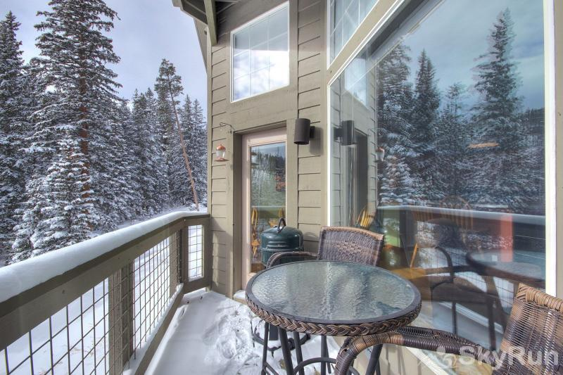 A6 Gore Trail Private deck with stunning views