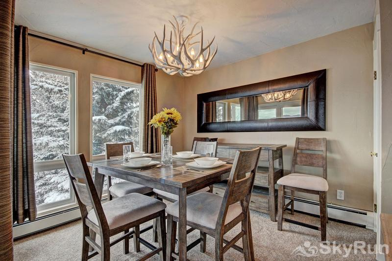 A308 Lake Cliffe Beautiful dining area with gorgeous views