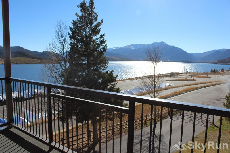 A308 Lake Cliffe Stunning views from private deck