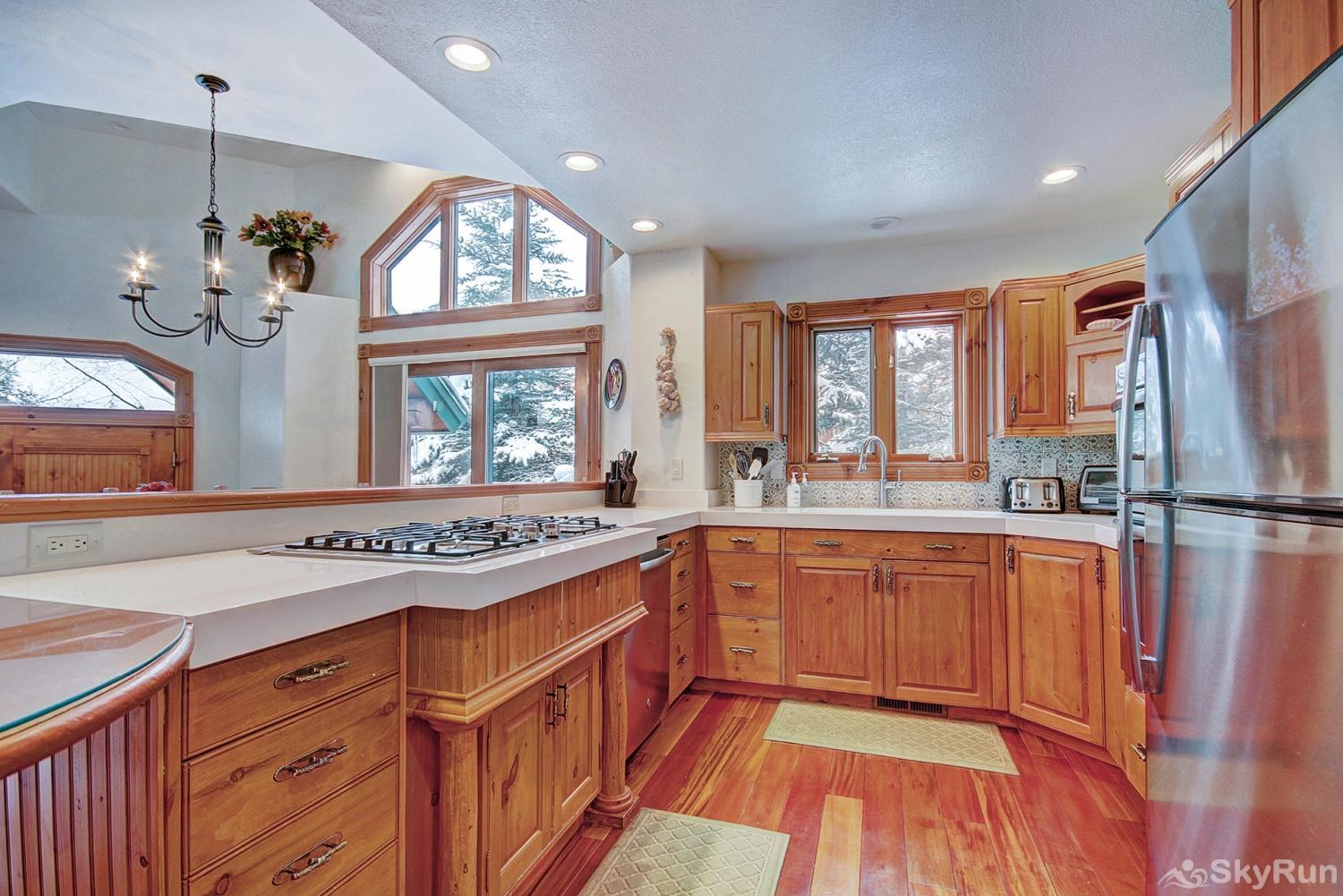 Dogwood Lodge Newly remodeled kitchen with modern appliances