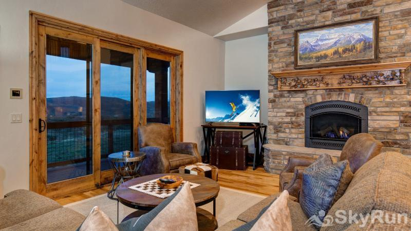 Mountain Home Retreat 1235H Living Room with Great Views