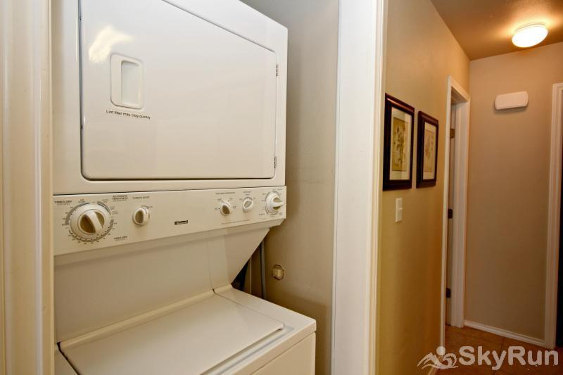 WATERWHEEL TREEHOUSE CONDO Private Washer and Dryer in Condo