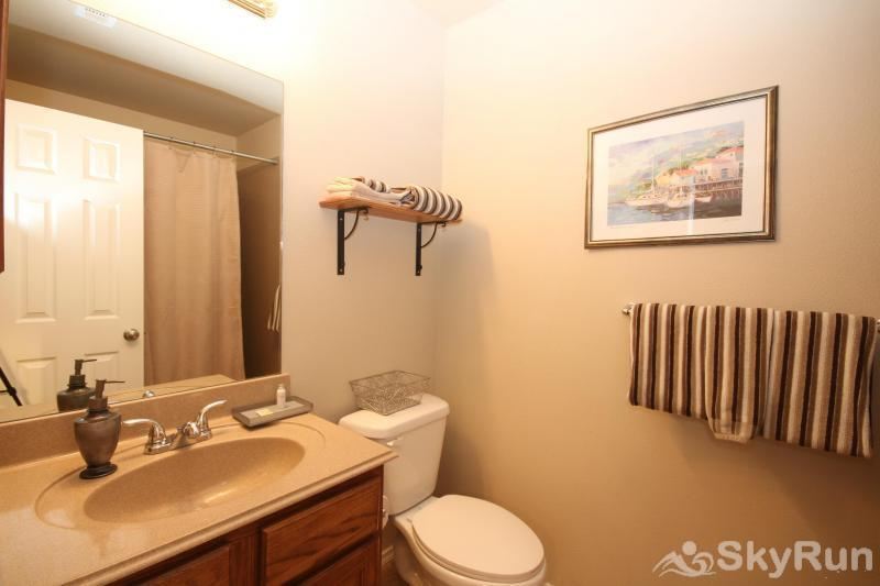 WATERWHEEL TREEHOUSE CONDO Master Bath with Tub/Shower Combo