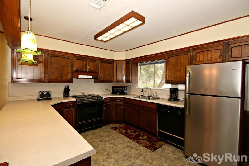 TEXAS ROSE RETREAT Fully Equipped Kitchen