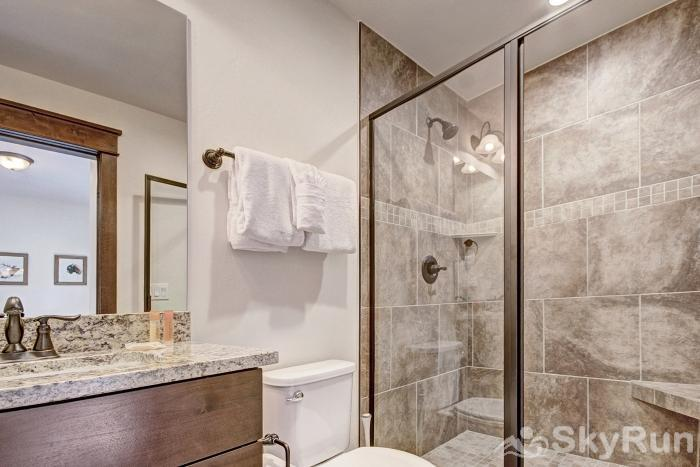 47 River Run Townhomes Ensuite Bathroom