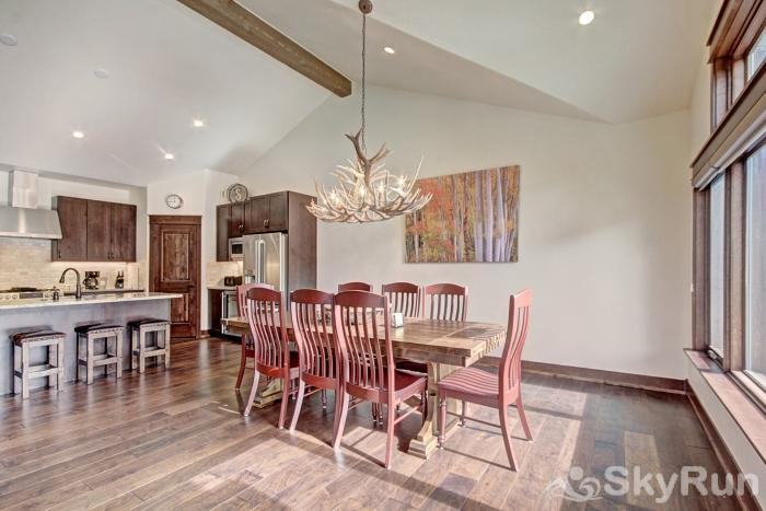 47 River Run Townhomes Dining Room