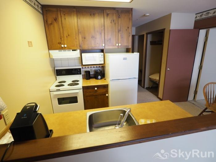 Apex Mountain Inn 1 BDRM Suite 211-212 Kitchen