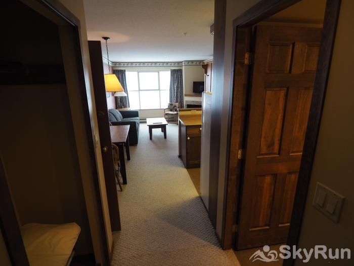 Apex Mountain Inn 1 BDRM Suite 225-226 Entrance
