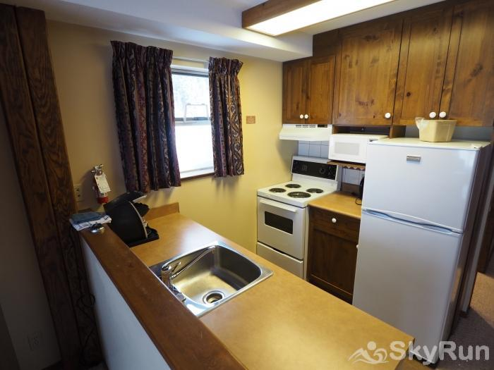 Apex Mountain Inn 1 BDRM Suite 227-228 Kitchen