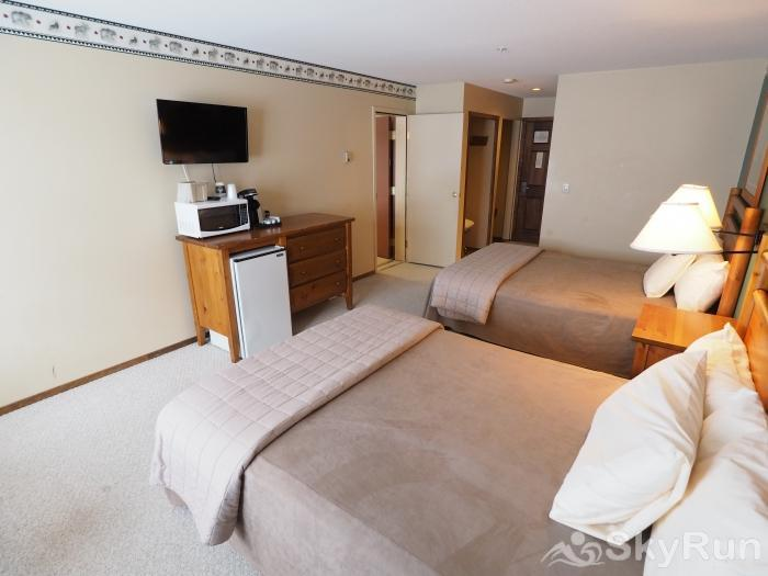 Apex Mountain Inn 1 BDRM Suite 227-228 Bedroom