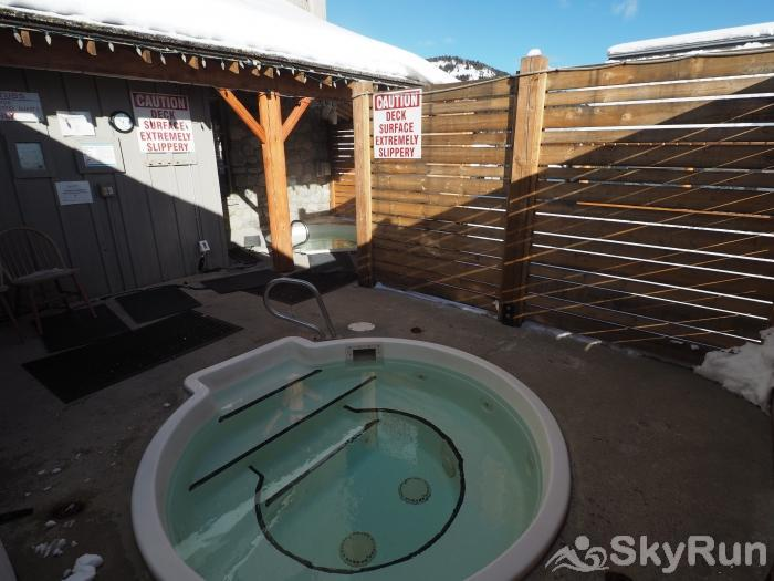 Apex Mountain Inn 1 BDRM Suite 317-318 Shared Hot Tubs