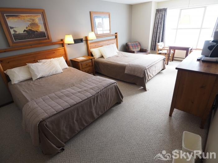 Apex Mountain Inn 1 BDRM Suite 317-318 Bedroom