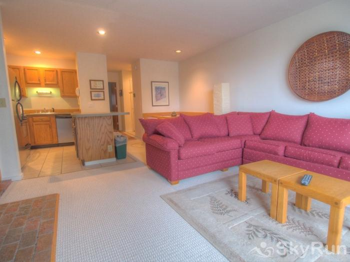 Sugarbush 1-bedroom Mountainside Living Room