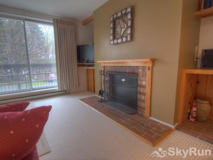 Sugarbush 1-bedroom Mountainside Living Area