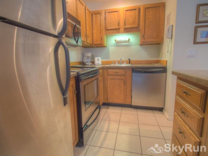 Sugarbush 1-bedroom Mountainside Gleaming kitchen
