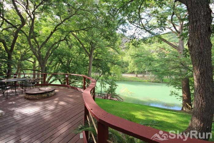 PONDEROSA PARADISE Book Your Guadalupe River Vacation Today!