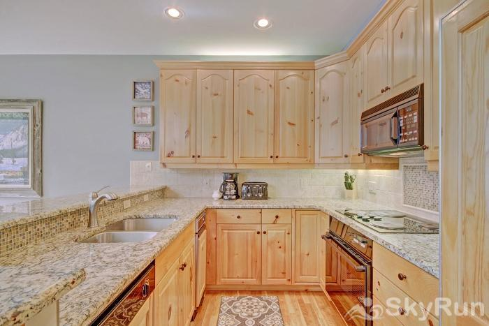 2985 Ironwood Townhomes Kitchen