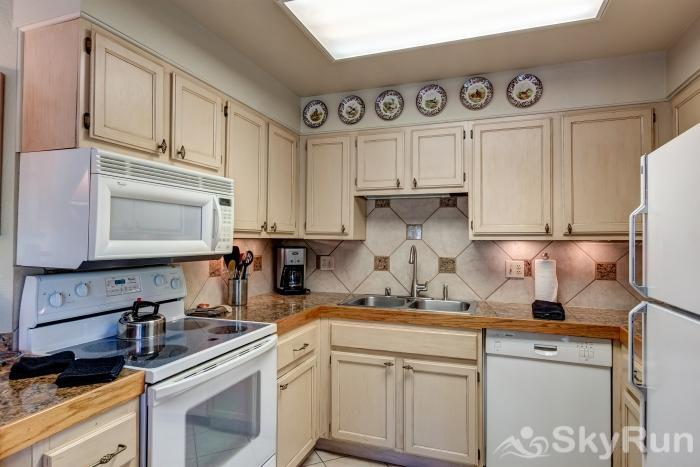 Powderhorn 503 Cozy and charming kitchen