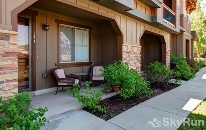 Lovely 2 Bed 2 Bath Ski Townhome, Park City, Hot tub, 2 Car Garage Entry