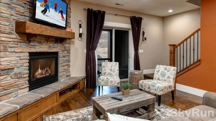 Lovely 2 Bed 2 Bath Ski Townhome, Park City, Hot tub, 2 Car Garage