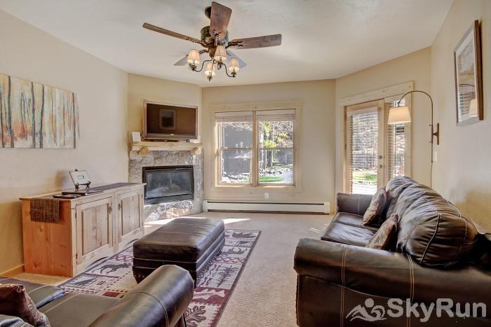 2609 Tenderfoot Lodge Living Room