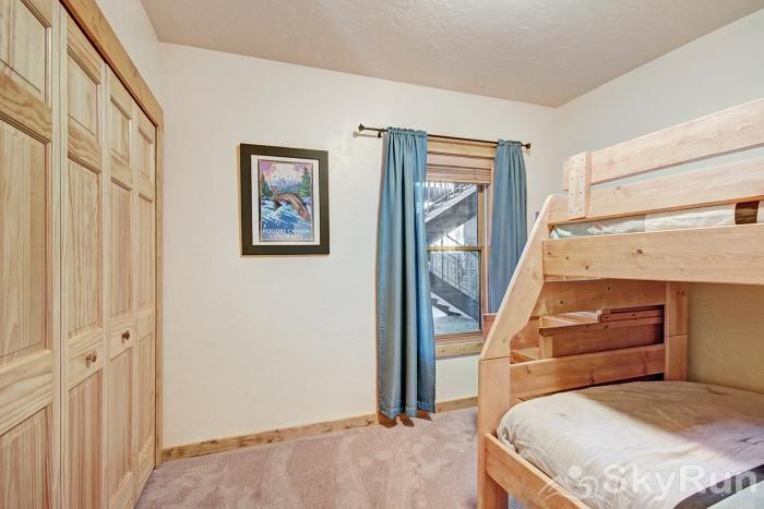 2609 Tenderfoot Lodge Bunk Beds