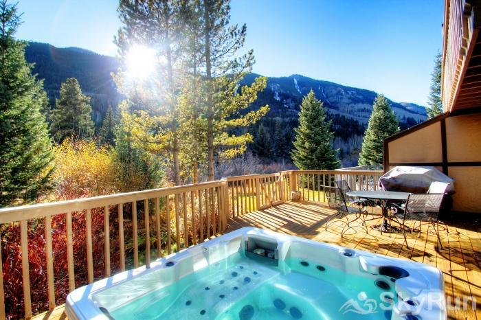 K1 Gore Creek Meadows Private Jacuzzi