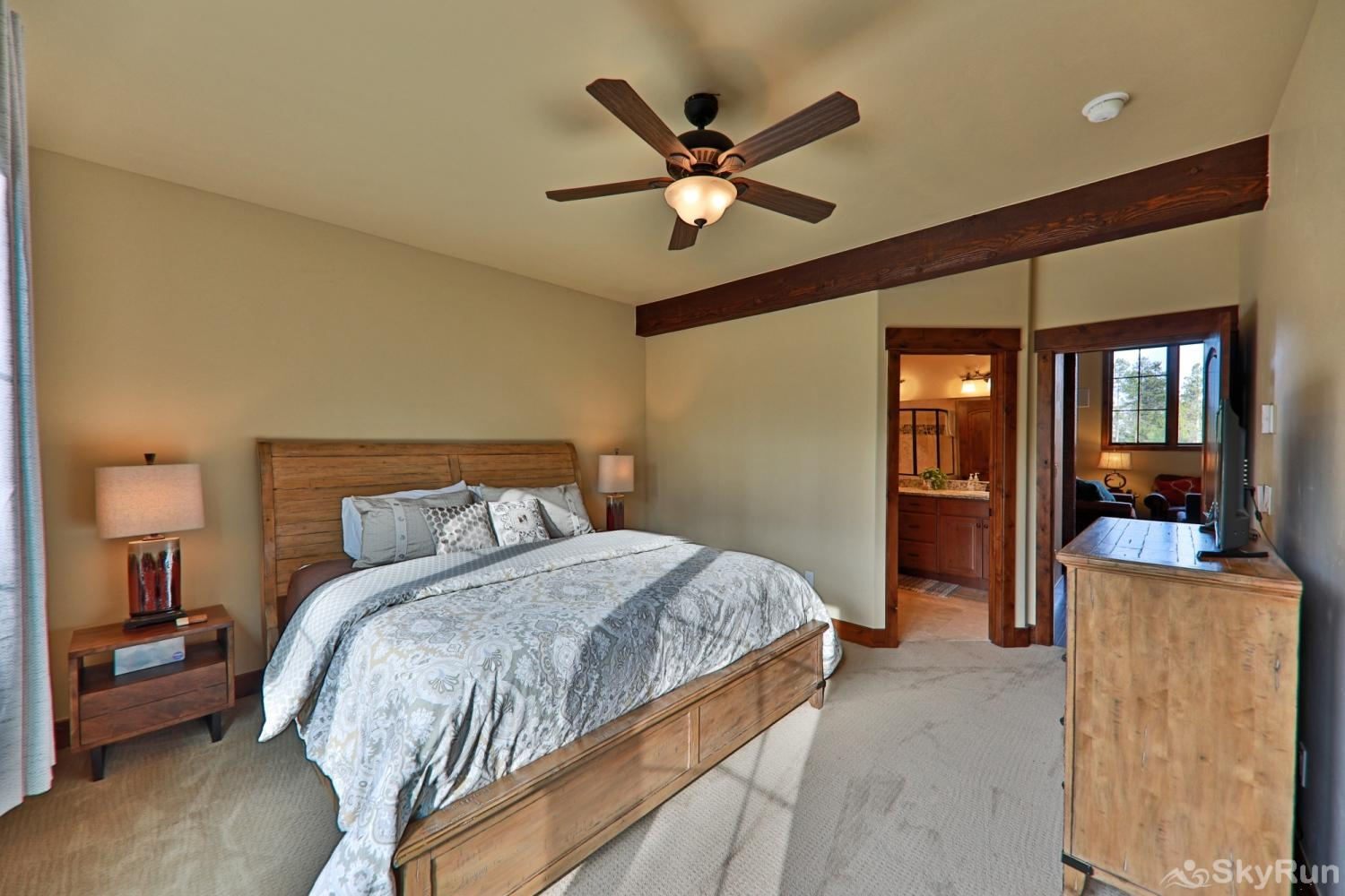 Beautiful & spacious townhome w/ 3 master suites + bunk room.  Mountain Views & private deck. Sleeps Master Suite #3