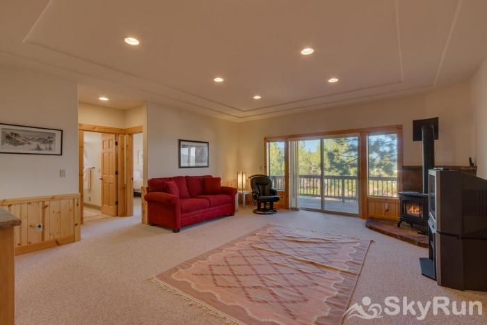 Tahoe Donner Pinnacle Loop Mountain Retreat Family/Entertainment Room (lower level)