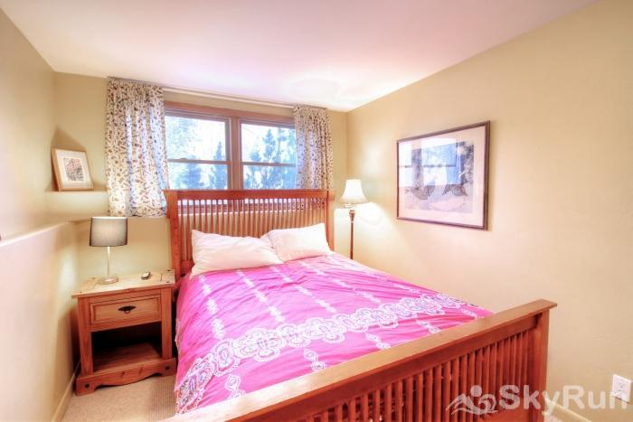 1717 Geneva Drive W Queen-Sized Bed