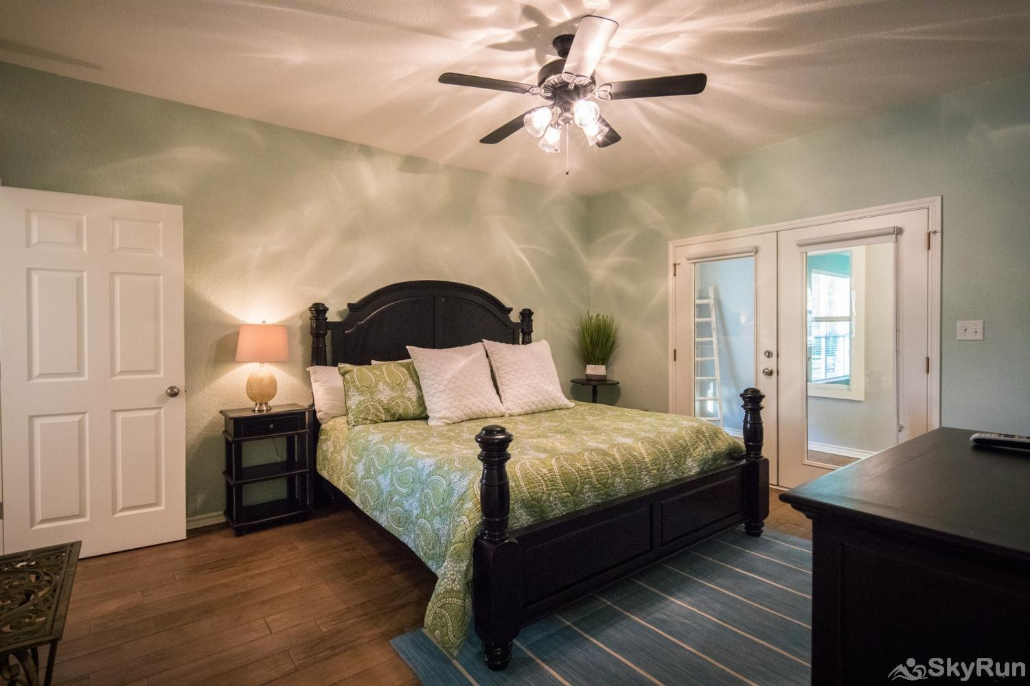 PARADISE POINTE Master Bedroom with King Bed