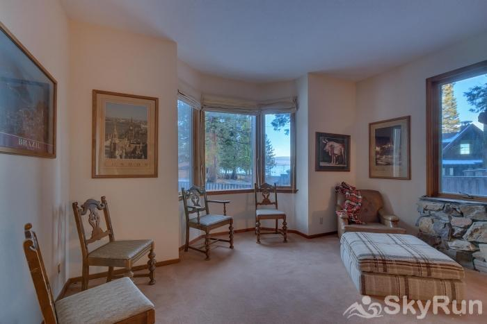 Homewood West Shore Classic - Lake Views Family Room/Bay Window - Ground Level