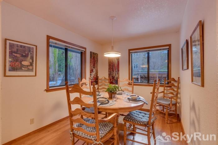 Homewood West Shore Classic - Lake Views Breakfast Nook/Sun Room