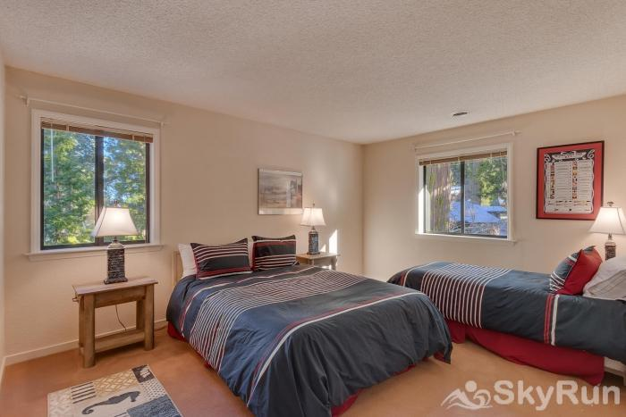 Homewood West Shore Classic - Lake Views Guest Bedroom 4: (Upstairs)