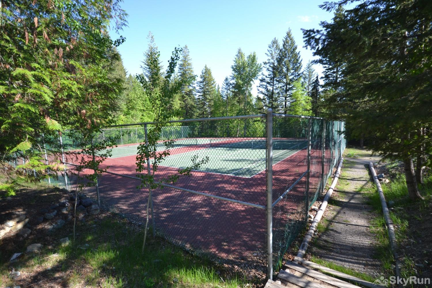Ptarmigan Village 86 Tennis court right next to indoor pool and spa