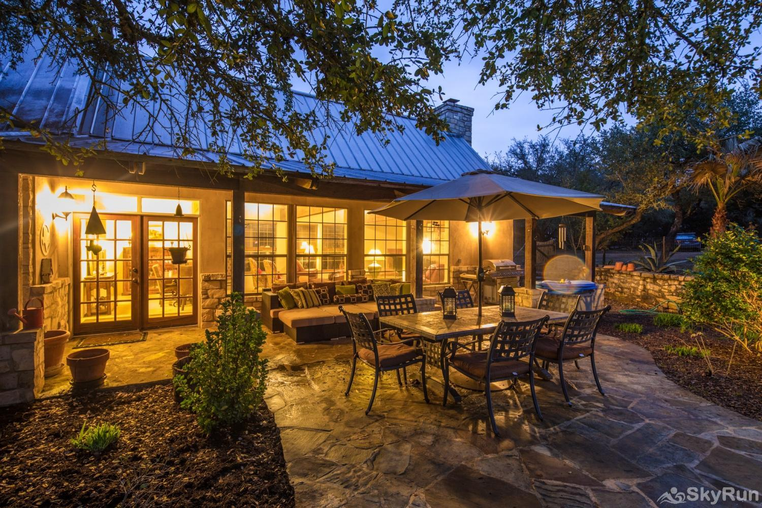 ROCK 'N' WOOD Book Your Wimberley Getaway with SkyRun Today!
