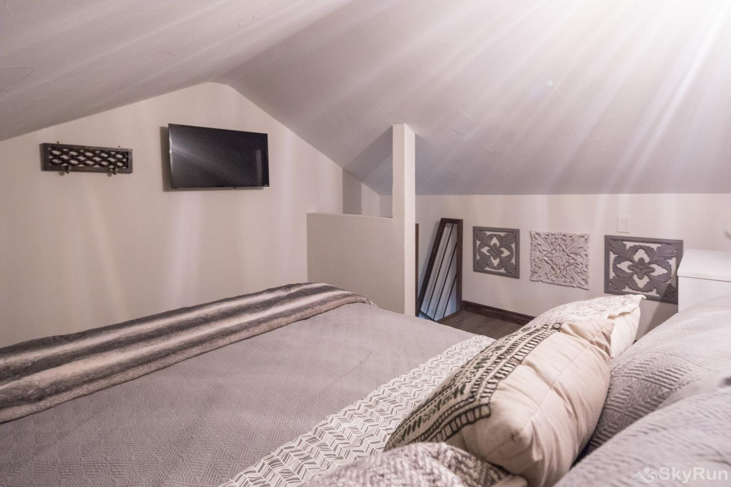 MAGNOLIA HAUS Queen Bed in Second Loft Bedroom