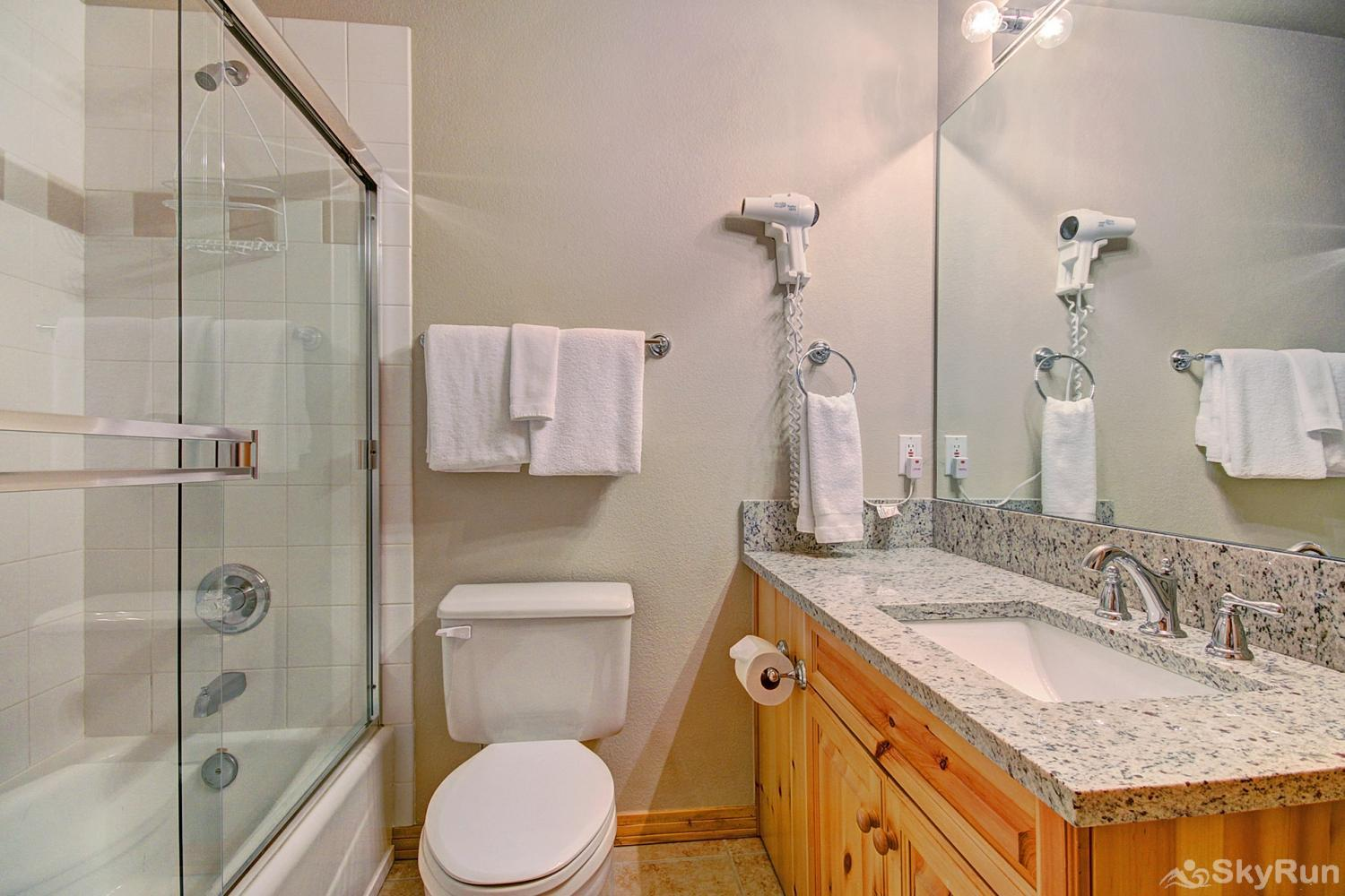 Elk Ridge 406 Shared full hall bathroom