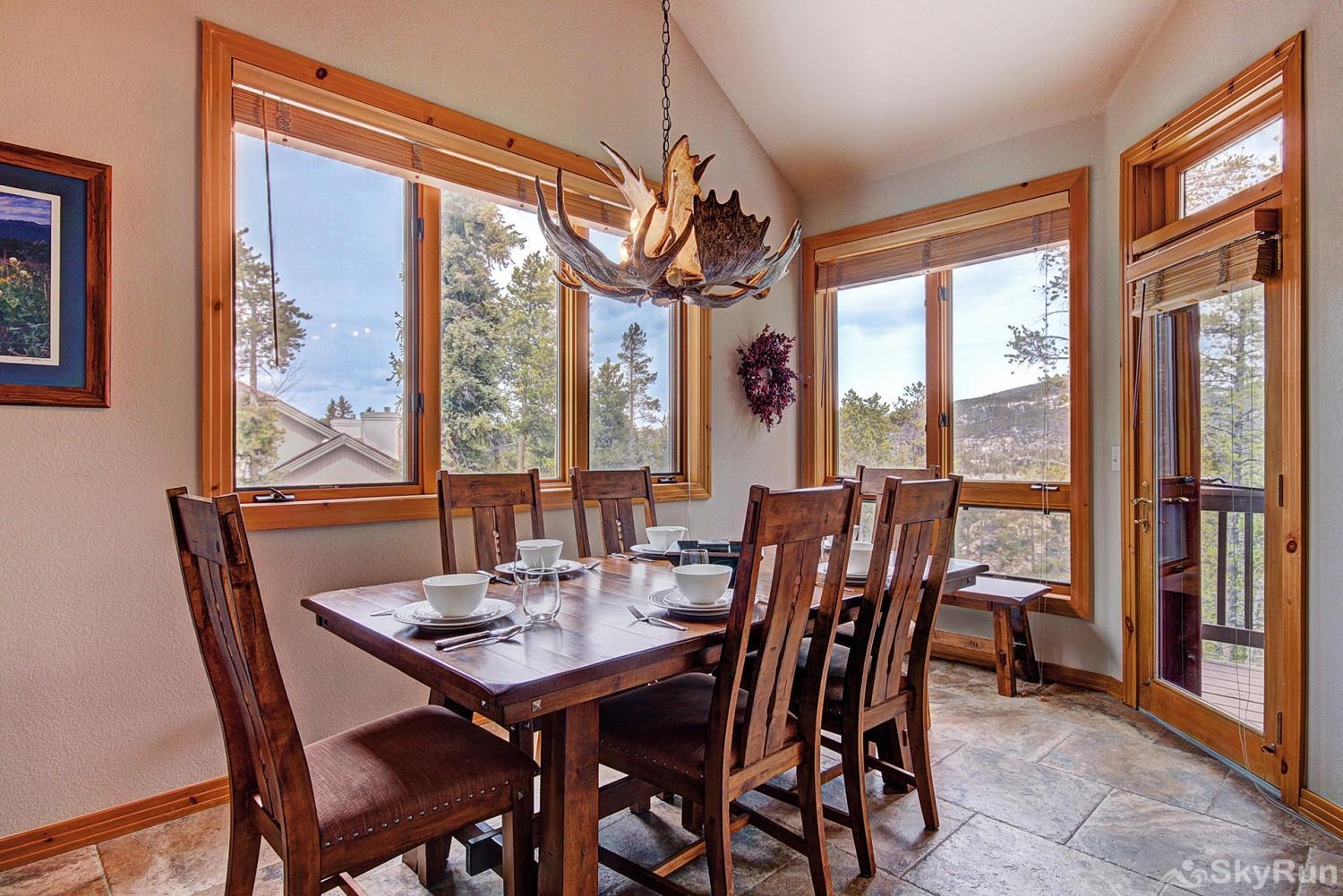 Elk Ridge 406 Enjoy a scenic view with your meals!