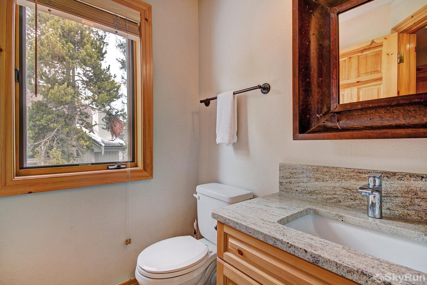 Elk Ridge 406 Additional shared half bathroom