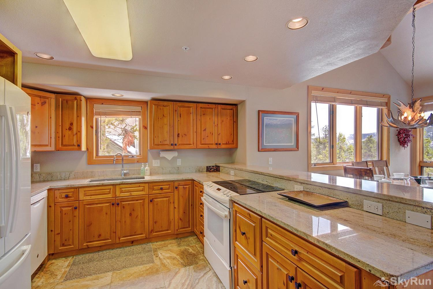 Elk Ridge 406 Enjoy tasty home-cooked meals from the comforts of a fully equipped kitchen